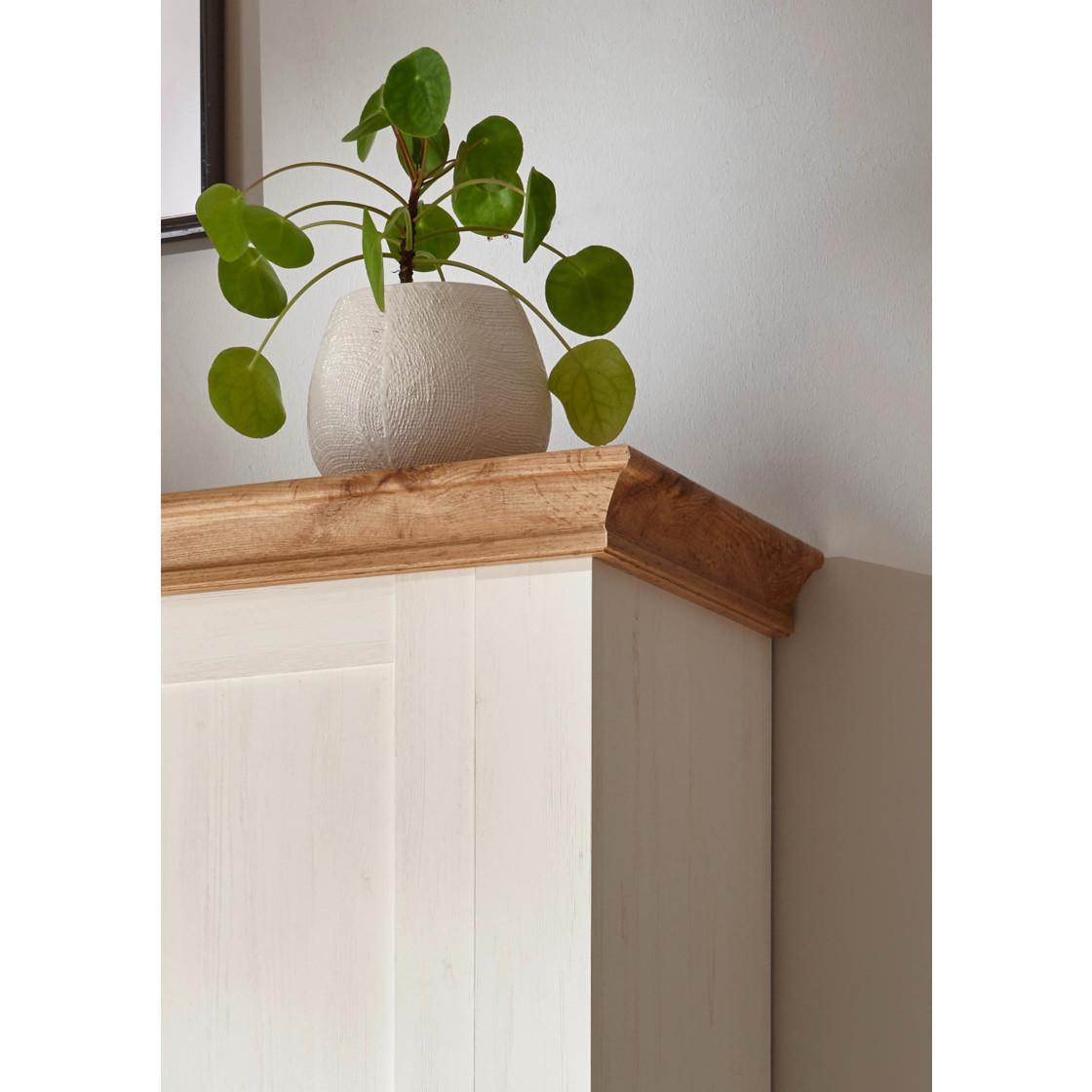 sideboard landhaus pinie wei applikation wotan eiche. Black Bedroom Furniture Sets. Home Design Ideas